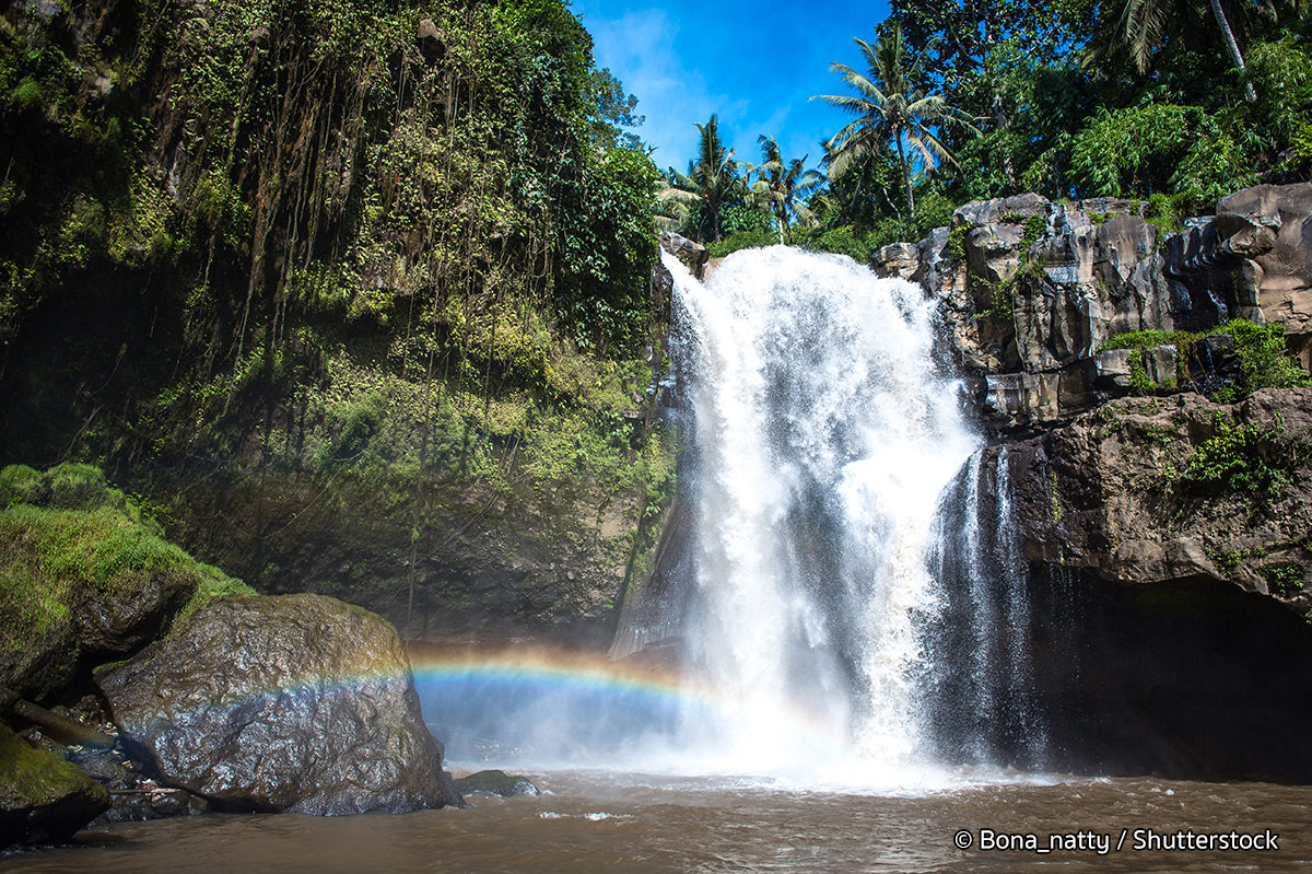 tegenungan-waterfall-rainbow
